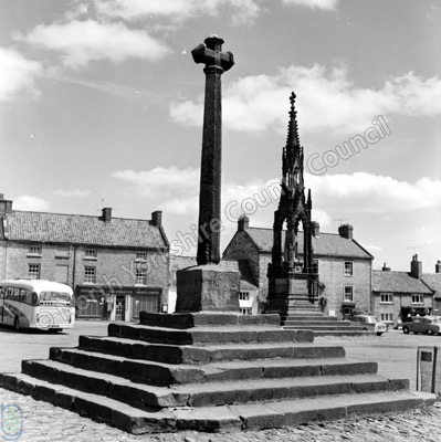 Helmsley Cross and Feversham Monument